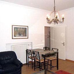 Uni_80_Swiss_Star_Apartments-Zurich-Interior_view-434291.jpg