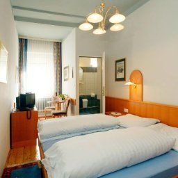 Cafe_Pension_Zeitlos-Herzogenburg-Room-435556.jpg