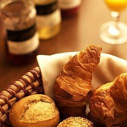 Bufet de desayuno Fritz Walter Weinhotel