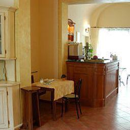 Eden-Florence-Breakfast_room-2-436544.jpg