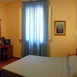 Eden-Florence-Room-1-436544.jpg