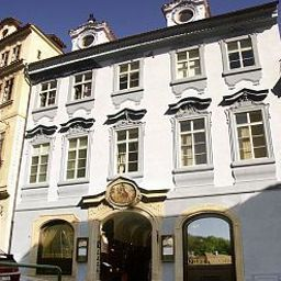 U_Zlate_podkovy-Prague-Exterior_view-436671.jpg