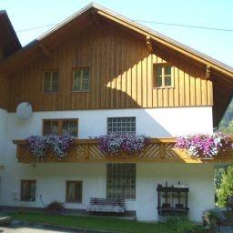 Jausenstation_Bernhard_Gasthof-Engelhartszell-Exterior_view-4-437353.jpg