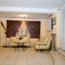 Villa_Toscania-Poznan-Hall-1-438127.jpg