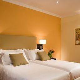 Rome_Garden_Hotel-Rome-Room-9-438671.jpg