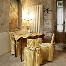 Residenza_dEpoca_San_Crispino-Assisi-Junior_suite-2-438749.jpg