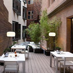 Catalonia_Catedral-Barcelona-Restaurant-3-438950.jpg