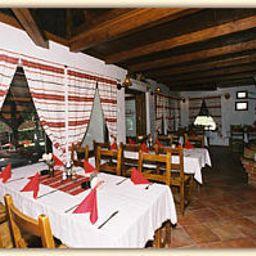 Anita_Panzio-Gyenesdias-Restaurant-5-439205.jpg