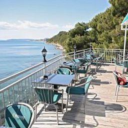 Bar del hotel Villa Plazibat