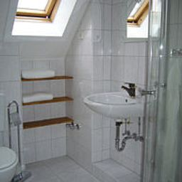 Wiedenhof-Hilden-Bathroom-2-440547.jpg