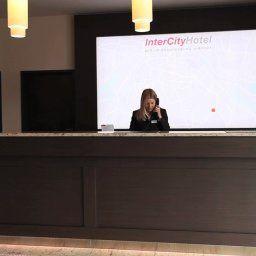 Réception InterCityHotel Berlin-Brandenburg Airport