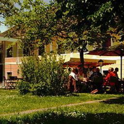 Gasthof_Maxlhaid-Wels-Garden-444136.jpg