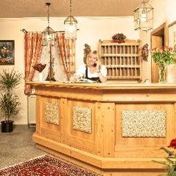 Feldmeier_Landhaus-Oberammergau-Reception-445146.jpg