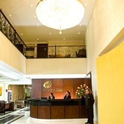 Hol hotelowy EMBASSY PARK HOTEL