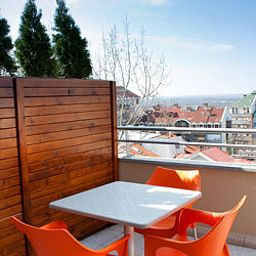 Balkan_Hotel_Garni-Belgrade-Terrace-447273.jpg
