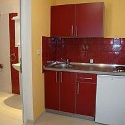 Zodiac-Budva-Kitchen-447289.jpg
