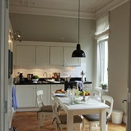 von_Deska_Townhouses_White_House-Hamburg-Kitchen-1-447498.jpg