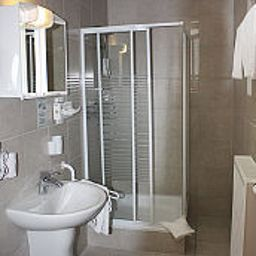 Rangau_Gasthof-Langenzenn-Bathroom-447969.jpg