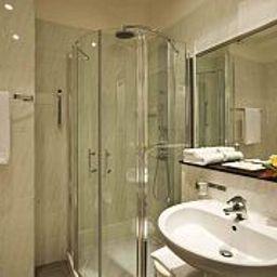 Waldorf_Palace-Cattolica-Bathroom-447997.jpg