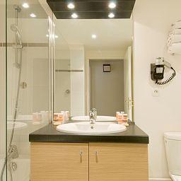 Residhome_Asnieres_Apparthotel-Asnieres-sur-Seine-Bathroom-1-448164.jpg