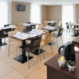 Sejours_Affaires_Apparthotel_Caen_Le_Clos_Beaumois-Caen-Breakfast_room-448168.jpg