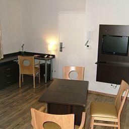 Sejours_Affaires_Apparthotel_Caen_Le_Clos_Beaumois-Caen-Room-2-448168.jpg