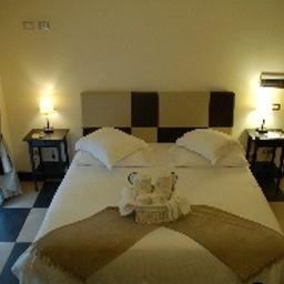 Plebiscito_Hotel_Residence_Aparthotel-Naples-Room_with_balcony-449440.jpg