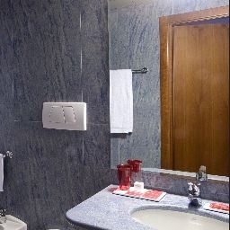 Bagno in camera Rosso 23 Florence (Firenze)
