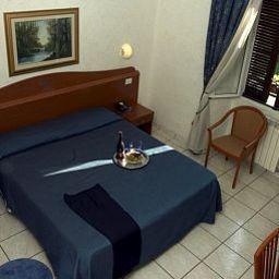 Arco_hotel_Milan-Milan-Room-3-449852.jpg