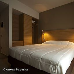 Victor-Bari-Superior_room-5-450338.jpg