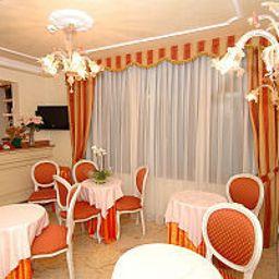 Sala de desayuno San Luca
