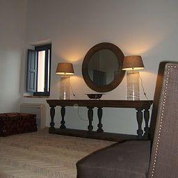 Casa_Mirabile_Relais-Menfi-Hall-1-450819.jpg