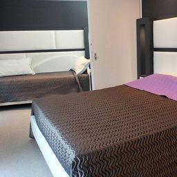 Golden_Hotel-Naples-Room-9-453061.jpg