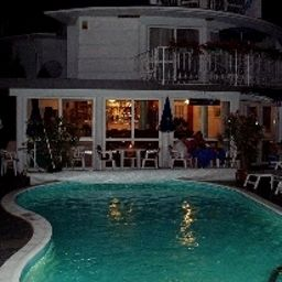 Villa_Rosa-Zamardi-Exterior_view-5-454526.jpg