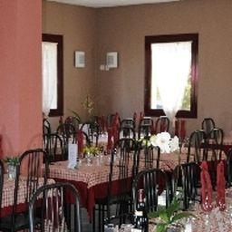 Le_Saint_Vincent-Vourles-Restaurant-3-455071.jpg