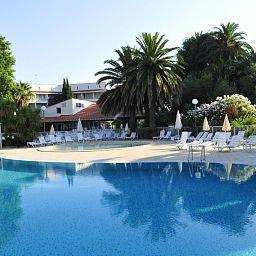 Domaine_du_Mas_Blanc_Residence_de_Tourisme-Alenya-Pool-1-455349.jpg