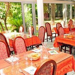 Domaine_du_Mas_Blanc_Residence_de_Tourisme-Alenya-Restaurantbreakfast_room-455349.jpg