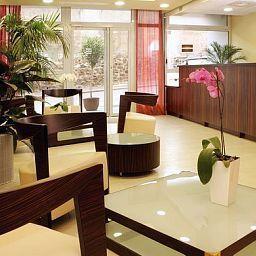 Aparthotel_Adagio_Access_Marseille_Saint_Charles-Marseille-Hall-455778.jpg