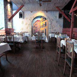 Cosmo_City-Budapest-Restaurantbreakfast_room-455790.jpg