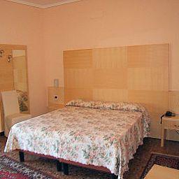 Lanterna-Abano_Terme-Double_room_standard-3-456054.jpg