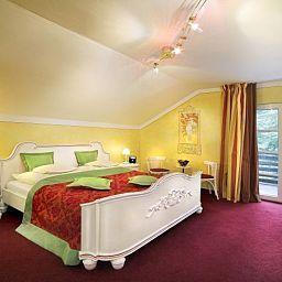 Park_Villa_Bad_Salzig-Boppard-Room-1-457032.jpg