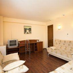 Oktyabrskaya_hotel-Samara-Junior_suite-4-457563.jpg
