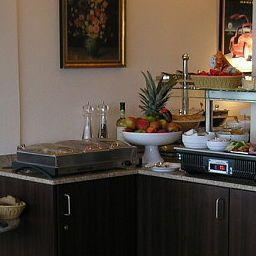Ostseeresidenz_Aparthotel-Heiligenhafen-Buffet-2-458608.jpg