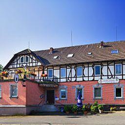 Zum_Rosenbachschen_Loewen_Gasthaus-Hilders-Exterior_view-1-459558.jpg