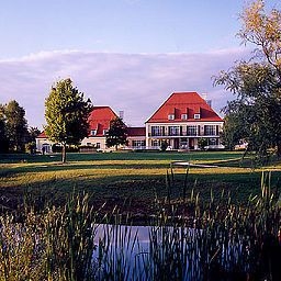Exterior view Gut Altholz Landhotel Plattling (Bayern)