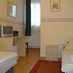 Polus_Panzio-Sopron-Room-2-461674.jpg