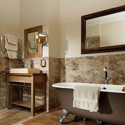 The_Green_House-Bournemouth-Bathroom-461910.jpg