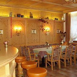 Tirolerhof_Sporthotel-Itter-Hotel_bar-1-463450.jpg