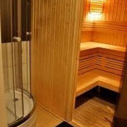 Boogie_hostel_Deluxe-Wroclaw-Sauna-463700.jpg