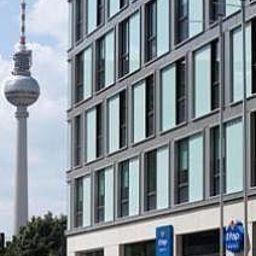 ibis_budget_Berlin_Alexanderplatz-Berlin-Exterior_view-1-463746.jpg